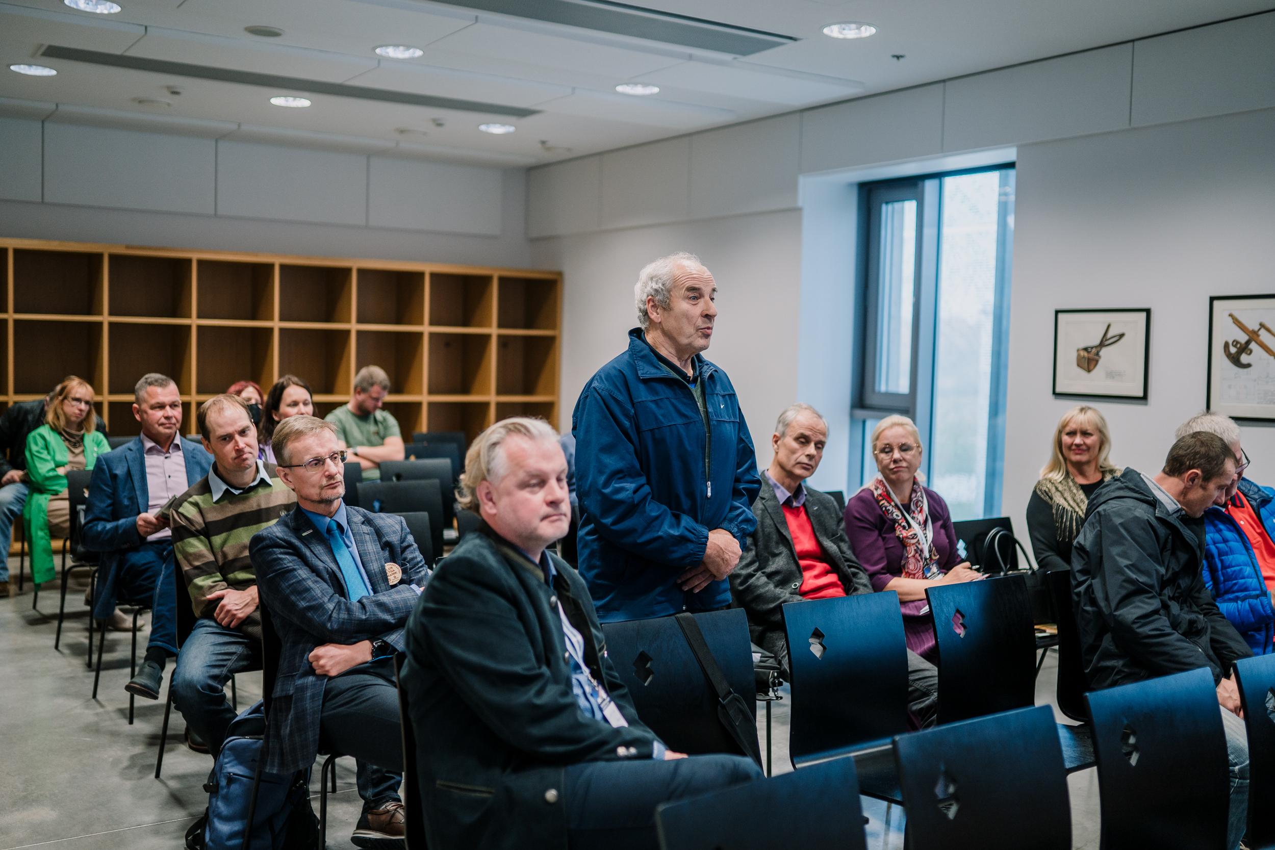 Maaeluministri infotunnil küsib künni MMi kohta agronoomist ajakirjanik Heino Laiapea.